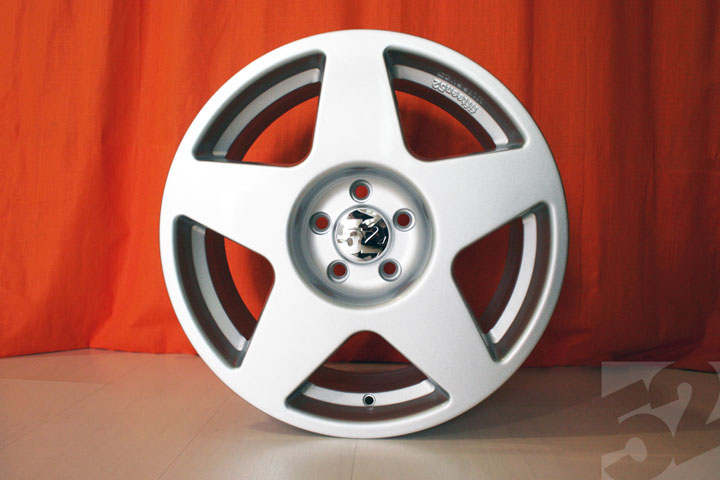 Fifteen52 Rsl Cast Tarmac Wheel 18 Quot 5x112